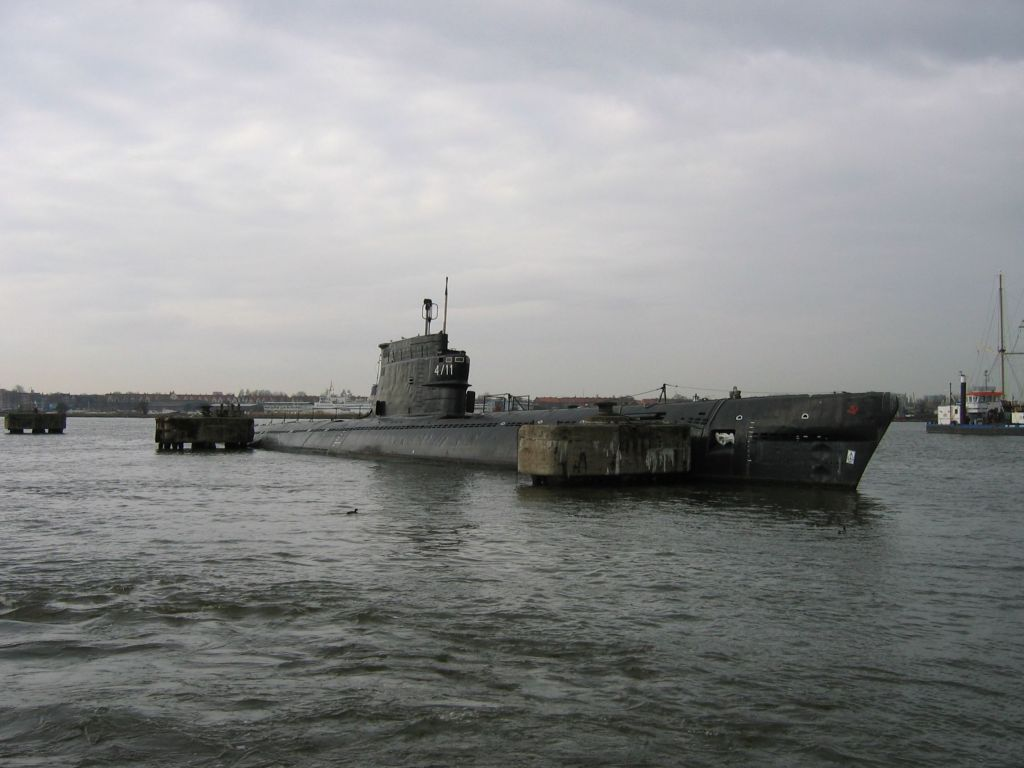 [Image: Soviet-submarine.jpg]