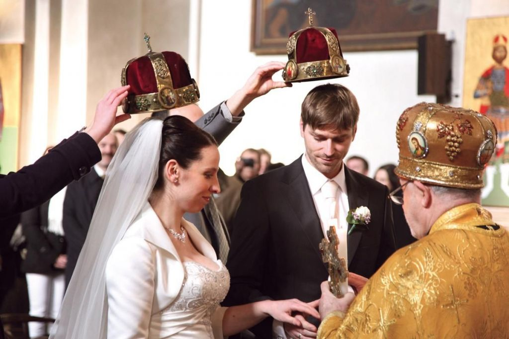 Russian wedding traditions red kalinka modern eastern orthodox church wedding junglespirit Image collections